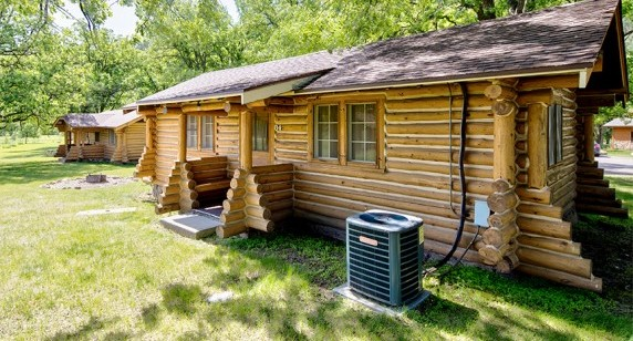 Housekeeping Cabin - 3 Rooms