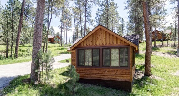 Legion Lake Lodge: Cabins Expanded
