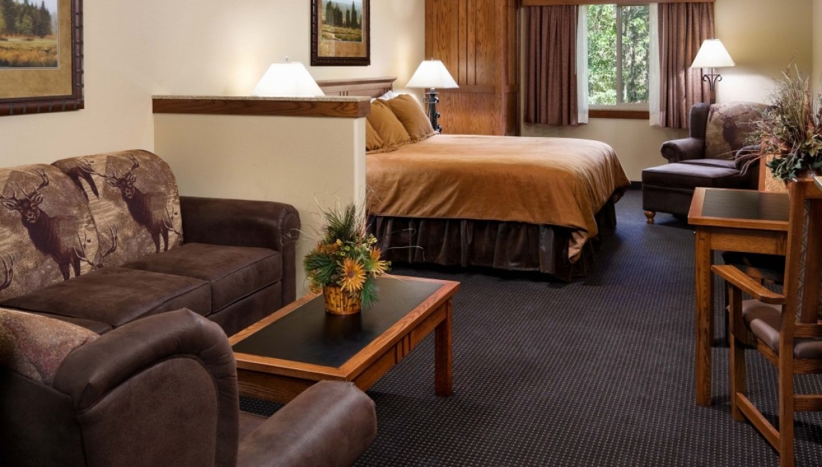 King Room at Creekside Lodge