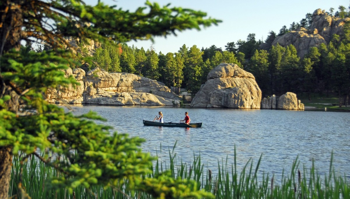 Canoeing on Sylvan Lake