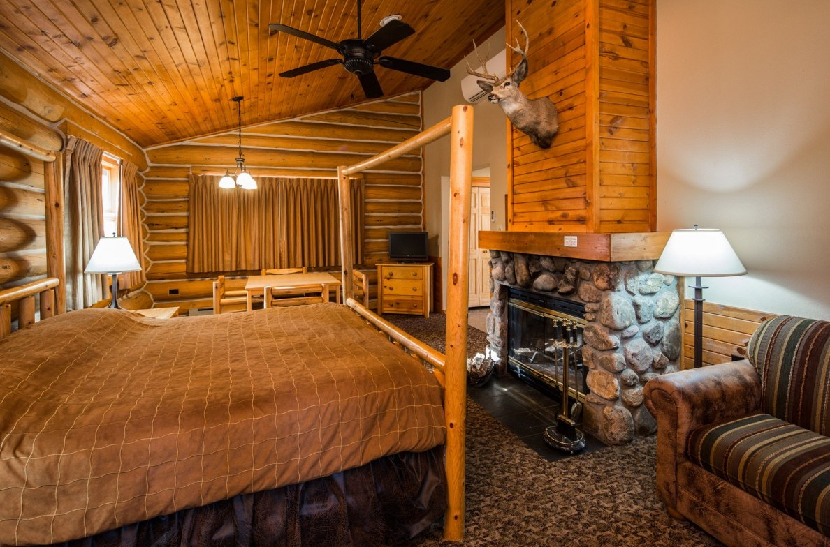 Blue Bell Honeymoon Cabin